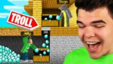 I TROLLED My FRIENDS By STEALING Their DIAMONDS In MINECRAFT!